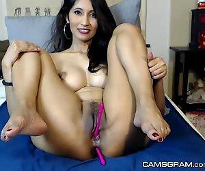 Gorgeus Busty Camgirl In Solo Masturbation