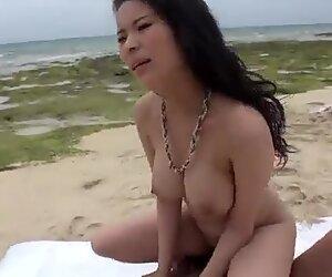 Kyouko Maki big tits Asian hottie enjoys outdoor