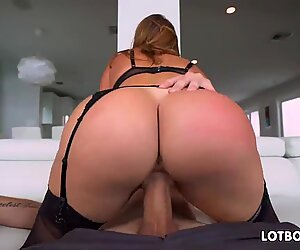 Thick booty and thick breasts latina cougar Julianna Vega